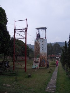 DR-Rock-climbing-and-High-element-obstacles-for-kids-768x1024